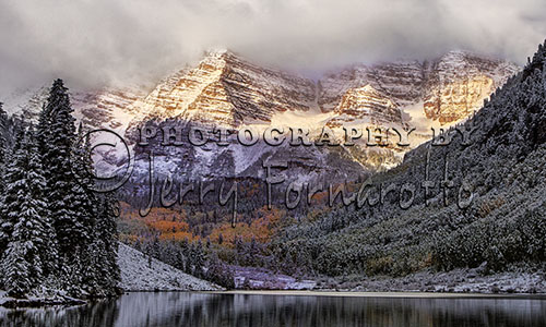 Maroon Bells is Colorado's most recognizable scenes. Maroon Peak and North Maroon Peak are fourteeners, both peaks are over 14,000 feet high. They are located in the Maroon Bells-Snowmass Wilderness.