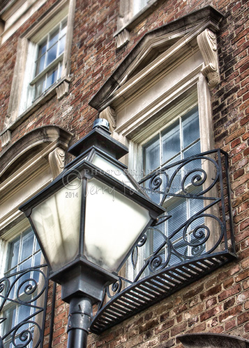 A photo of an old street lamp from Charleston, South Carolina.