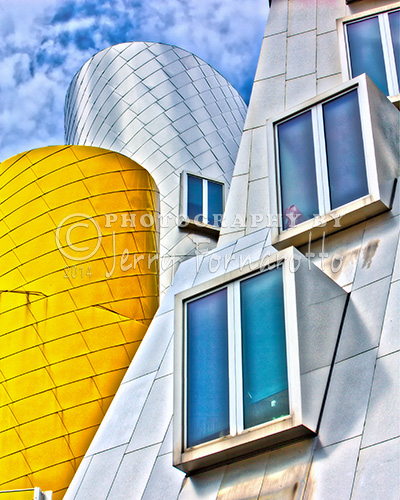 Stata Building Detail