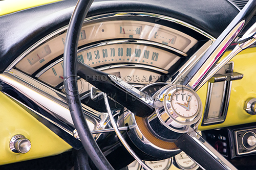 The full-size luxury car Mercury Monterey was Mercury's flagship car from 1950 to 1974.This photo shows the dashboard of a 1955 Monterey.