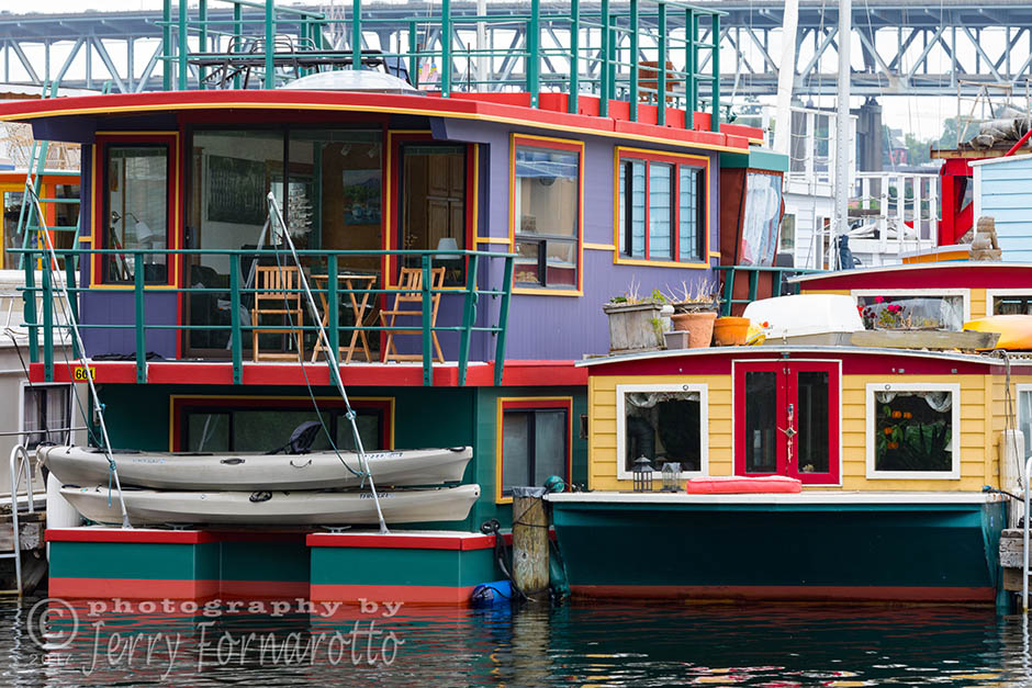 Houseboat living is an alternative style of housing in Seattle, Washington. Canon 5D MKIV, Canon 100-400mm set to 200mm, 1/80sec, f13