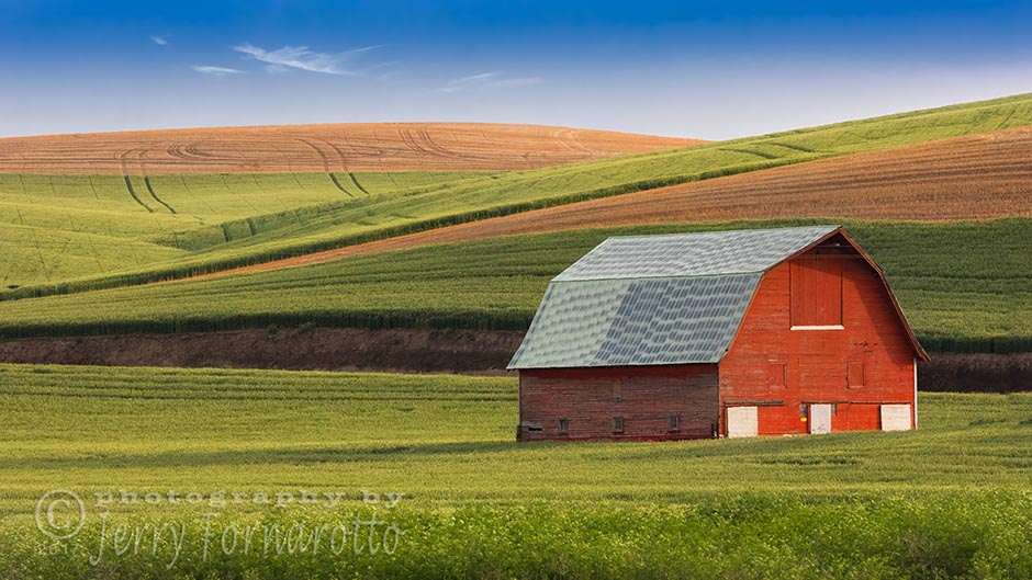 Palouse Barn and Fields
