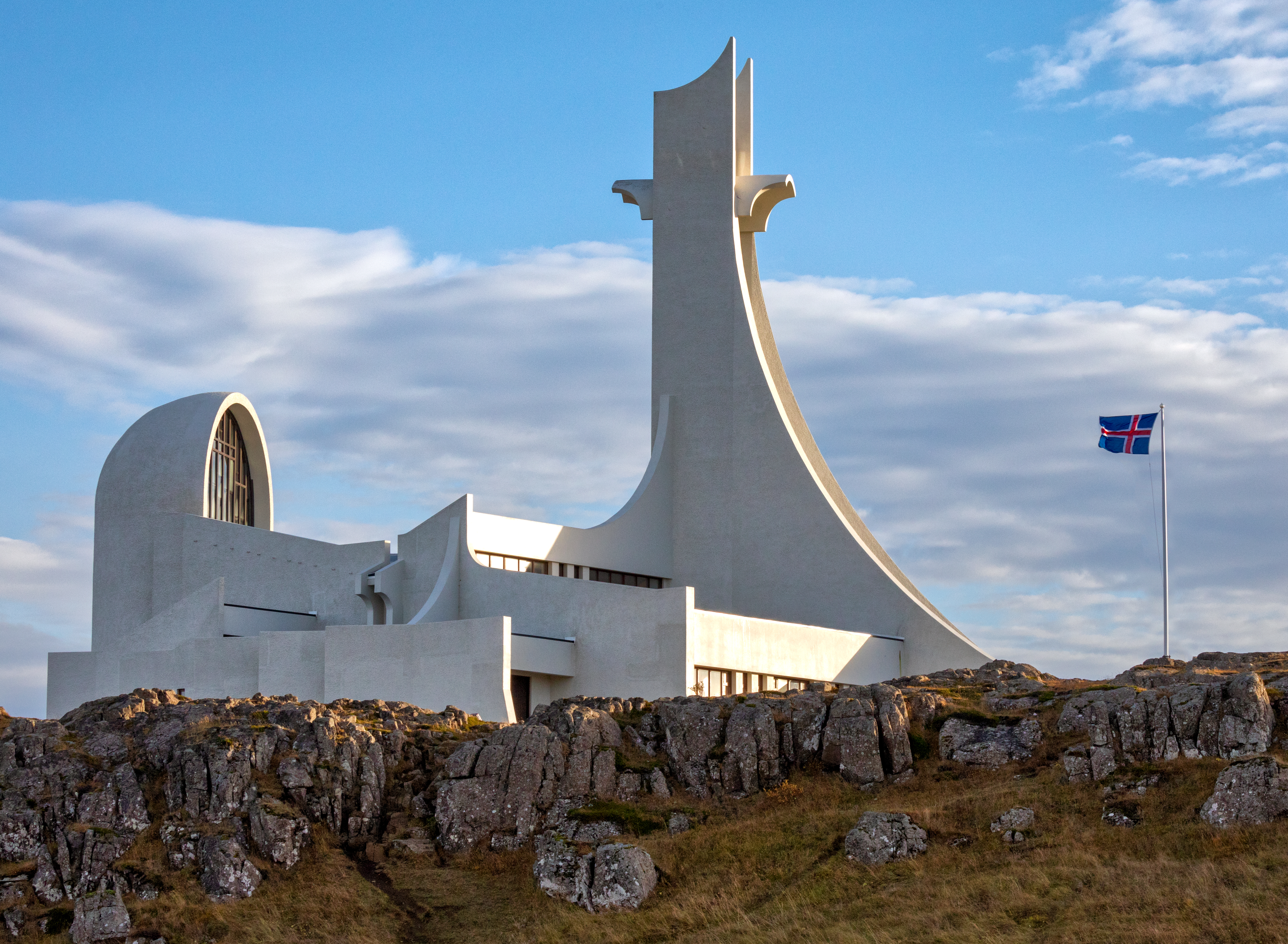 Stykkishólmur Church is a contemporary concrete structure built in 1980. It overlooking the town of Stykkishólmur in western Iceland, on the northern edge of Snæfellsnes peninsula.